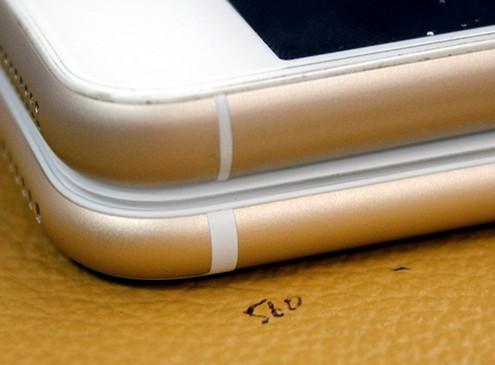 Thay vỏ iPhone 5,5S thành 6 - Độ vỏ iPhone_Đường viền nhựa trên iPhone 5S độ trông mềm mại và nhỏ hơn so với iPhone 6 Plus
