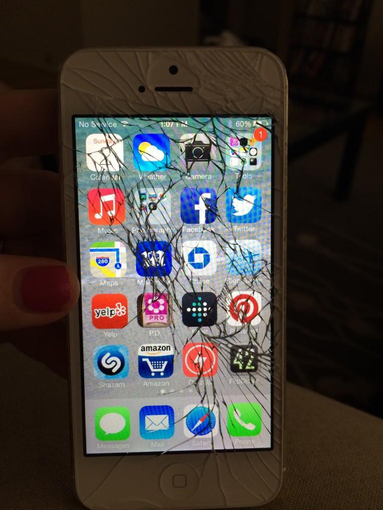 iPhone vỡ mặt kính